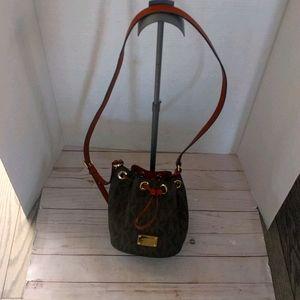 Beautiful bucket bag by Michael Kors 🌸🌸🌸